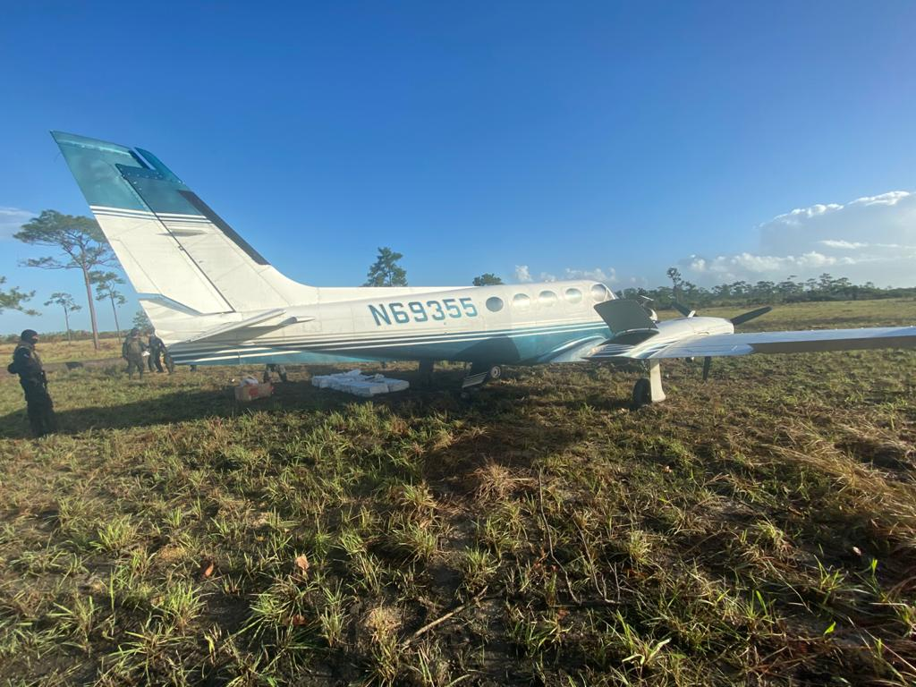 FFAA aseguran narcoavioneta procedente de Sudamérica