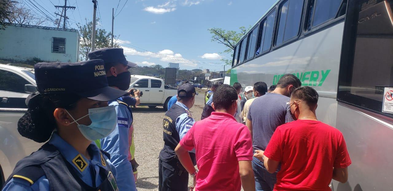 Con operativos permanentes Policía Nacional brinda seguridad a veraneantes en Semana Santa