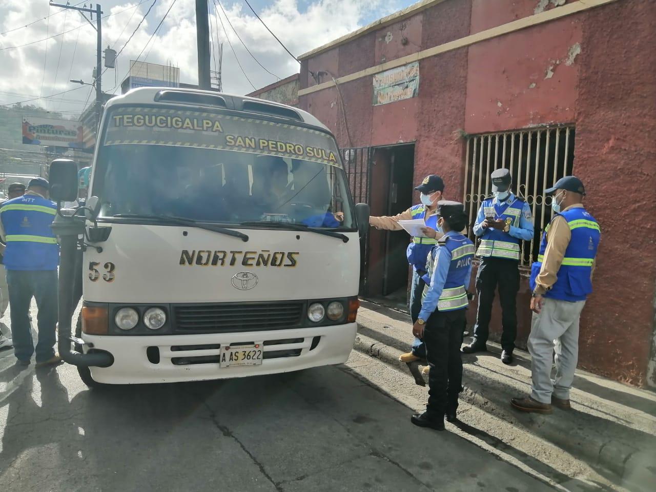 Transporte interurbano reporta una baja de pasajeros durante el inicio de la Semana Santa