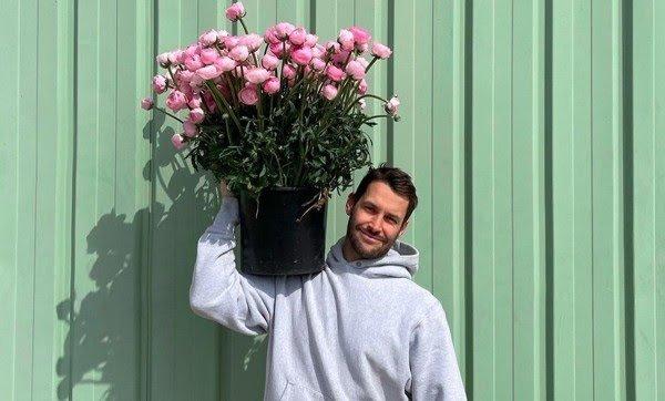 Jacquemus y su nueva floristería temporal