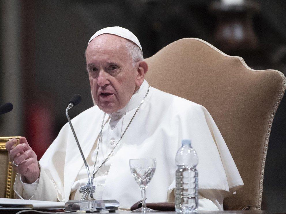 El papa Francisco cambió una ley clave para criminalizar los abusos sexuales cometidos por sacerdotes