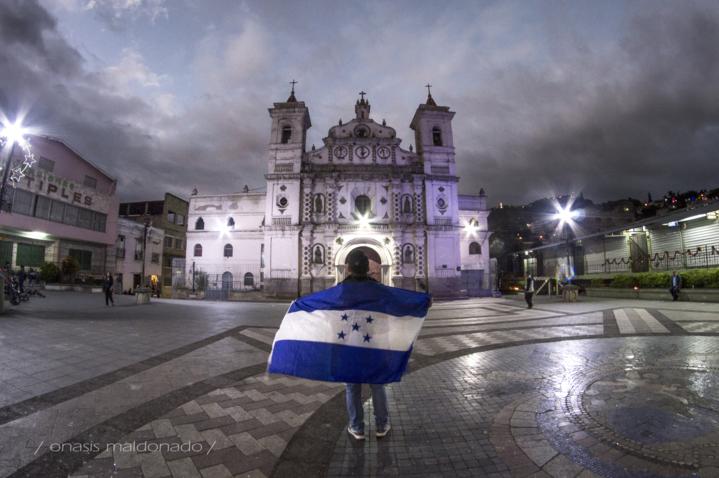 Onasis Maldonado, el fotógrafo que recorre y muestra el encanto de los pueblos de Honduras