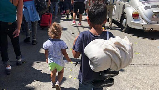 Según DINAF  57 niños se unieron a la nueva caravana migrante de los cuales 47 viajan solos