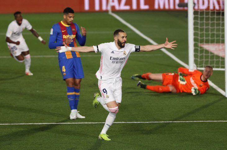 El Real Madrid gana el clásico al imponerse 2 -1 ante el Barcelona