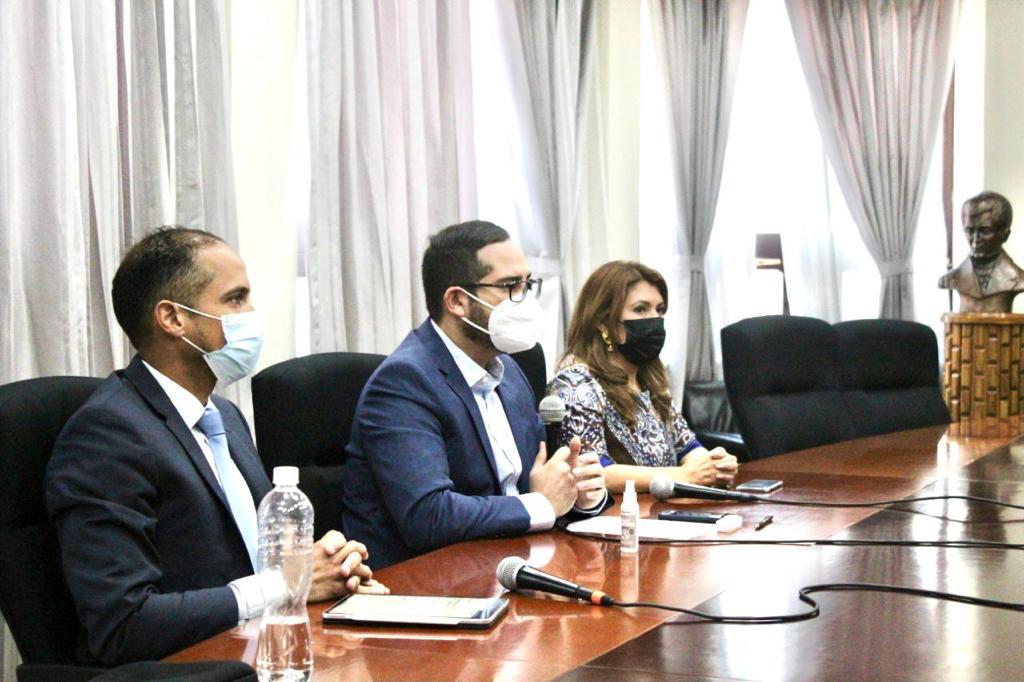 AstraZeneca ratifica envío de casi medio millón de vacunas a Honduras
