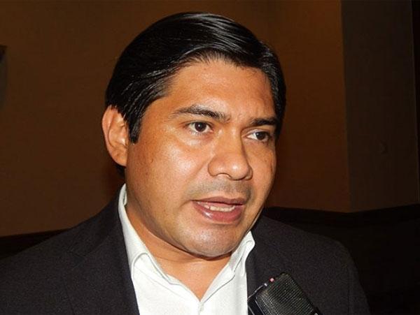 Wilfredo Méndez:  «Liderazgo de Libre se conforma con migajas de poder«