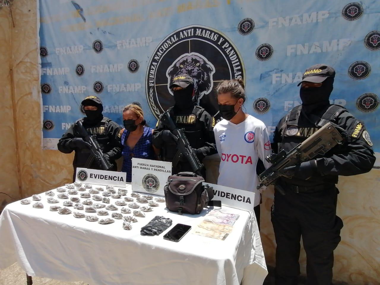 Capturan a madre e hijo por venta de droga en Comayagua