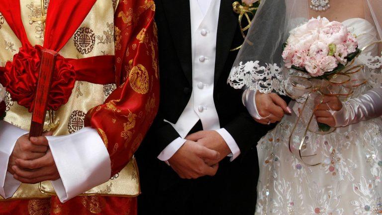 China: Suegra se entera en la boda de su hijo que su nuera es su hija perdida