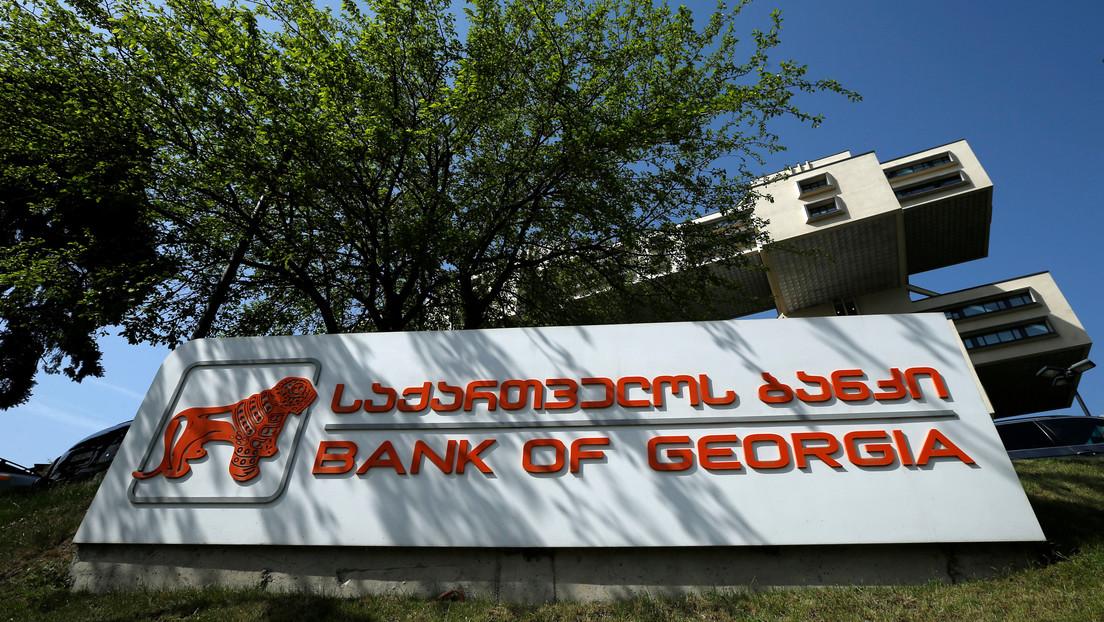 Asaltan un banco en la capital de Georgia y toman rehenes