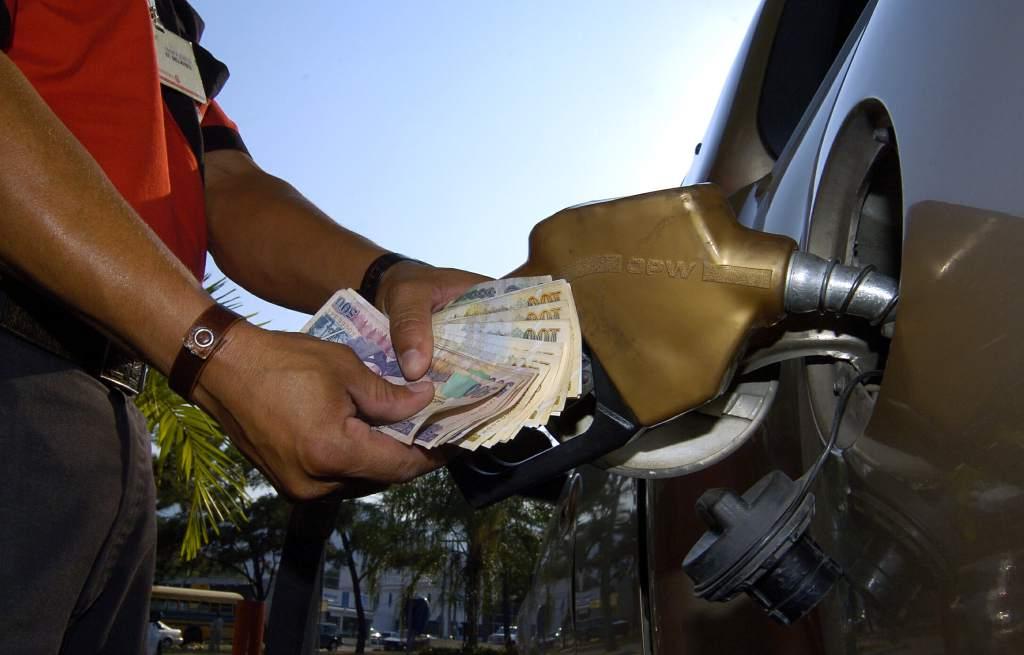 Rebajas en el precio de los combustibles a partir del lunes