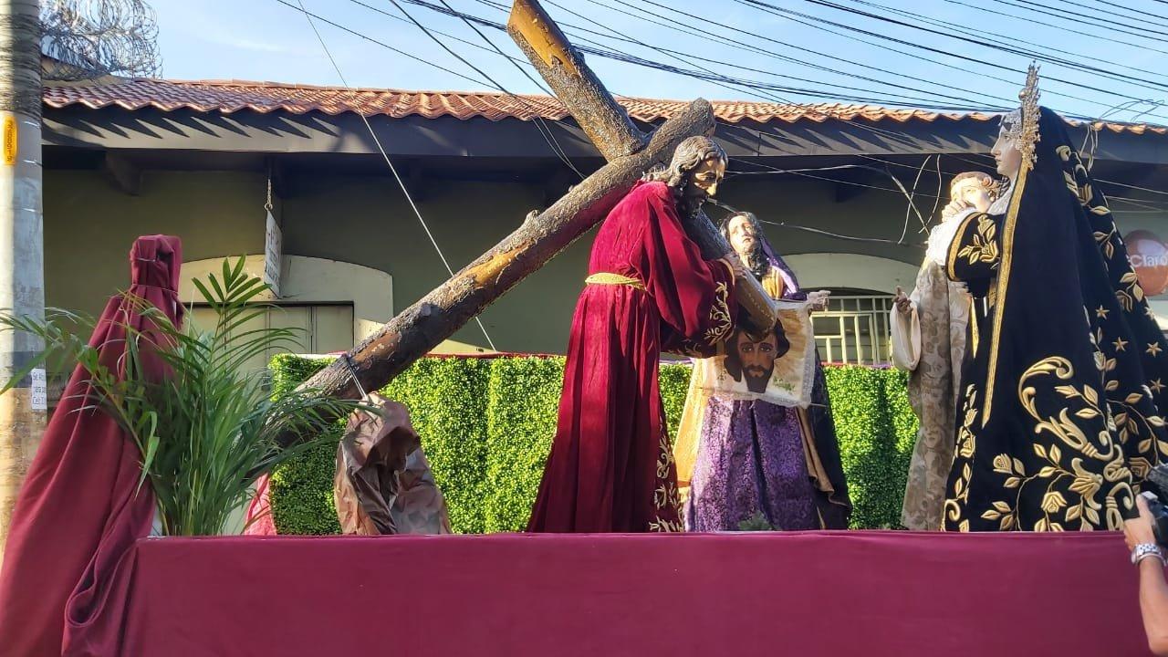 Iglesia Católica realiza atípico Viacrucis  en este Viernes Santo