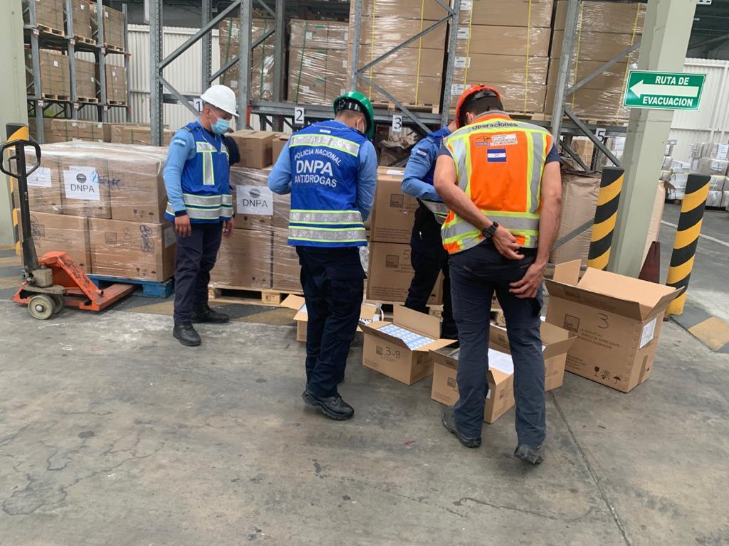 Incautan 478 cajas con supuesto clorhidrato de tramadol en Puerto Cortés