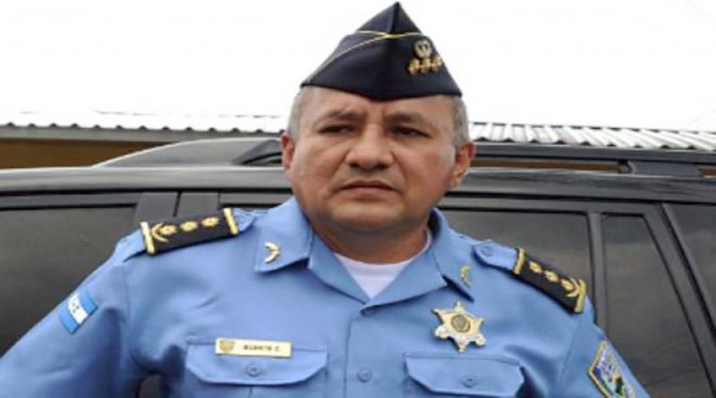 Comisionado Henry Osorto:  Lo mas sabio  es que el pueblo sin importar el color politico se junte,  para que haya una disputa entre buenos y malos»