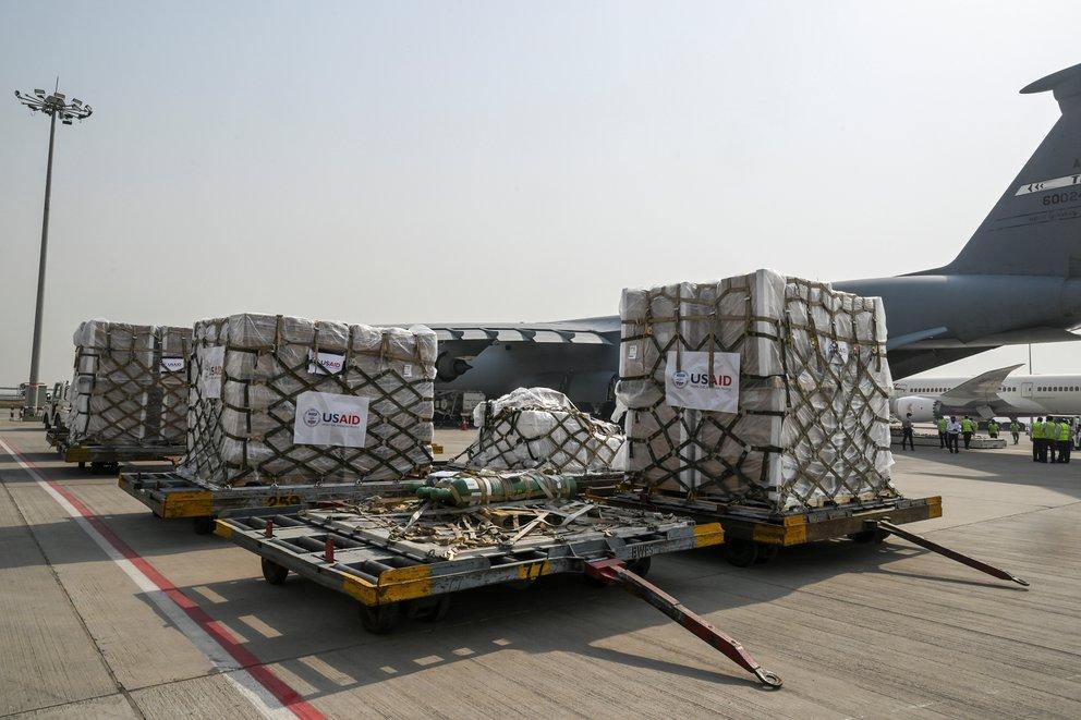 India recibe el primer cargamento de ayuda médica de los Estados Unidos