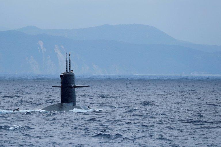 Desaparece un submarino en Indonesia con 53 personas a bordo