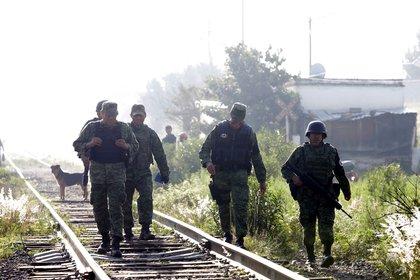 Asesinan a dos migrantes hondureños y tres resultan heridos en ataque en México