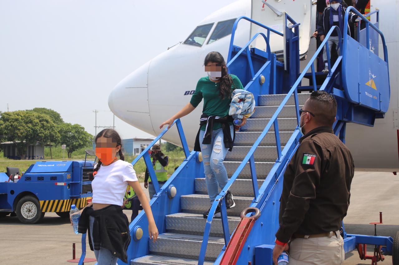 Llegan 50 niños que viajaban solos a Estados Unidos