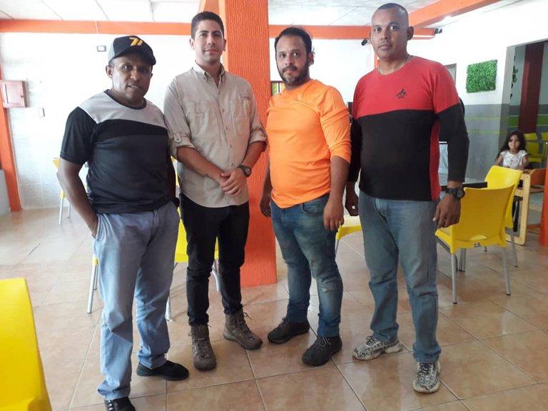 Tras casi un día del arresto de dos periodistas en Venezuela, el gobierno de Maduro no informa de su paradero