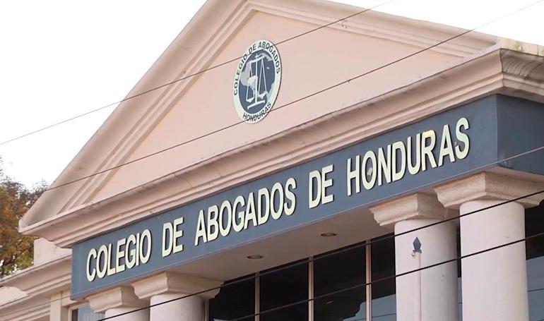 En aniversario abogados convocan hoy a polémica asamblea de agremiados