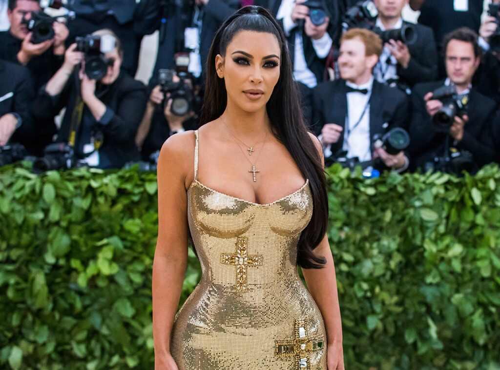 Kim Kardashian oficialmente se convierte en multimillonaria , según Forbes