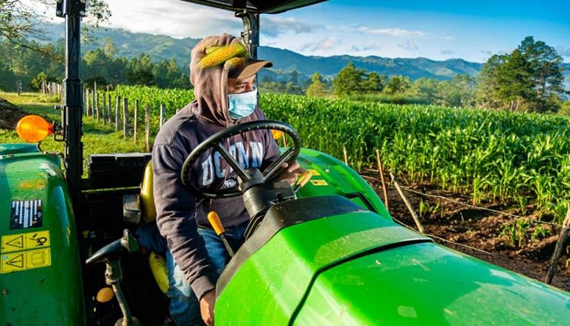 Fenagh anima a productores seguir accediendo al beneficio de Agrocredito