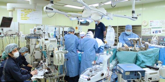 Japón realiza el primer trasplante de pulmón a partir de donantes vivos para recuperar a una paciente de COVID-19