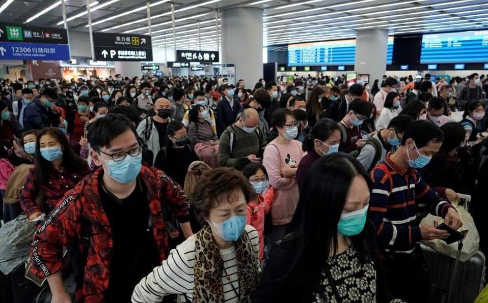 Al menos 49 pasajeros de un vuelo entre Nueva Delhi y Hong Kong dieron positivo de Covid-19