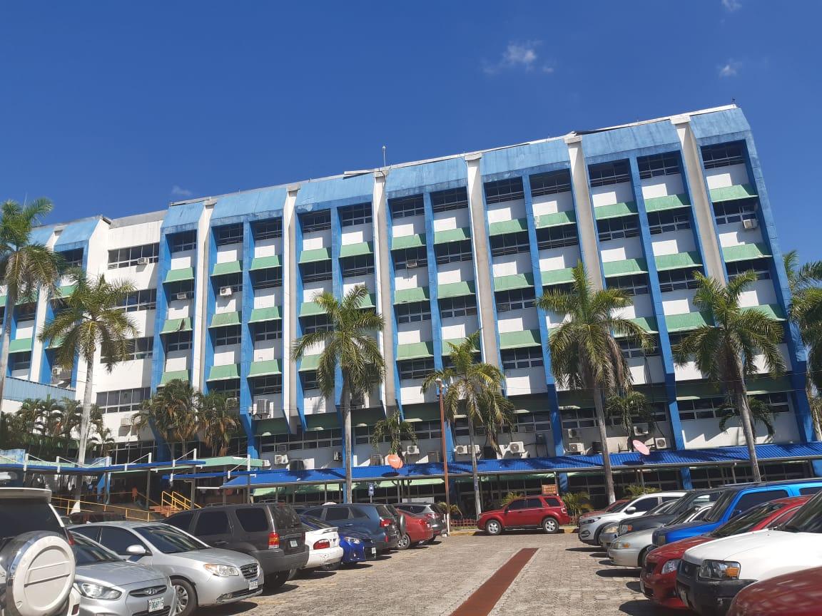 Doctor Carlos Umaña asegura que hospitales sampedranos no han colapsado