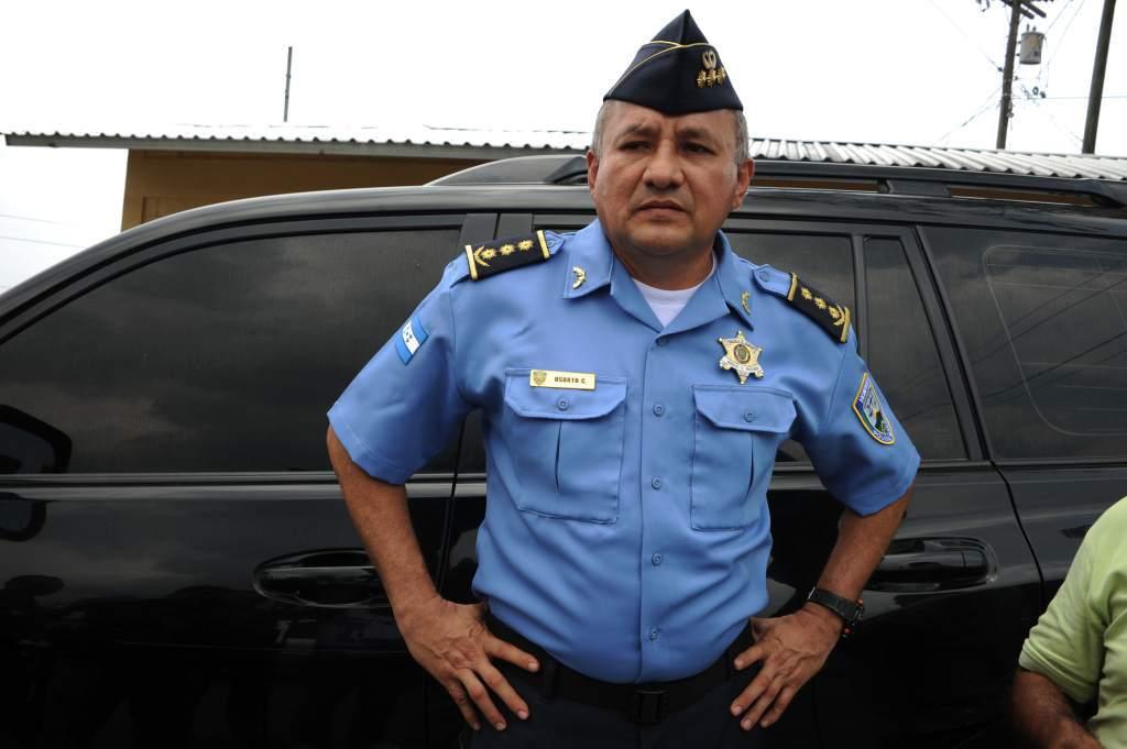 """Oficial de policía Henry Osorto es el nuevo presidente del """"Partido Salvador de Honduras"""""""