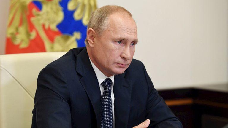 Vladimir Putin se aplica segunda dosis de vacuna contra el Covid19