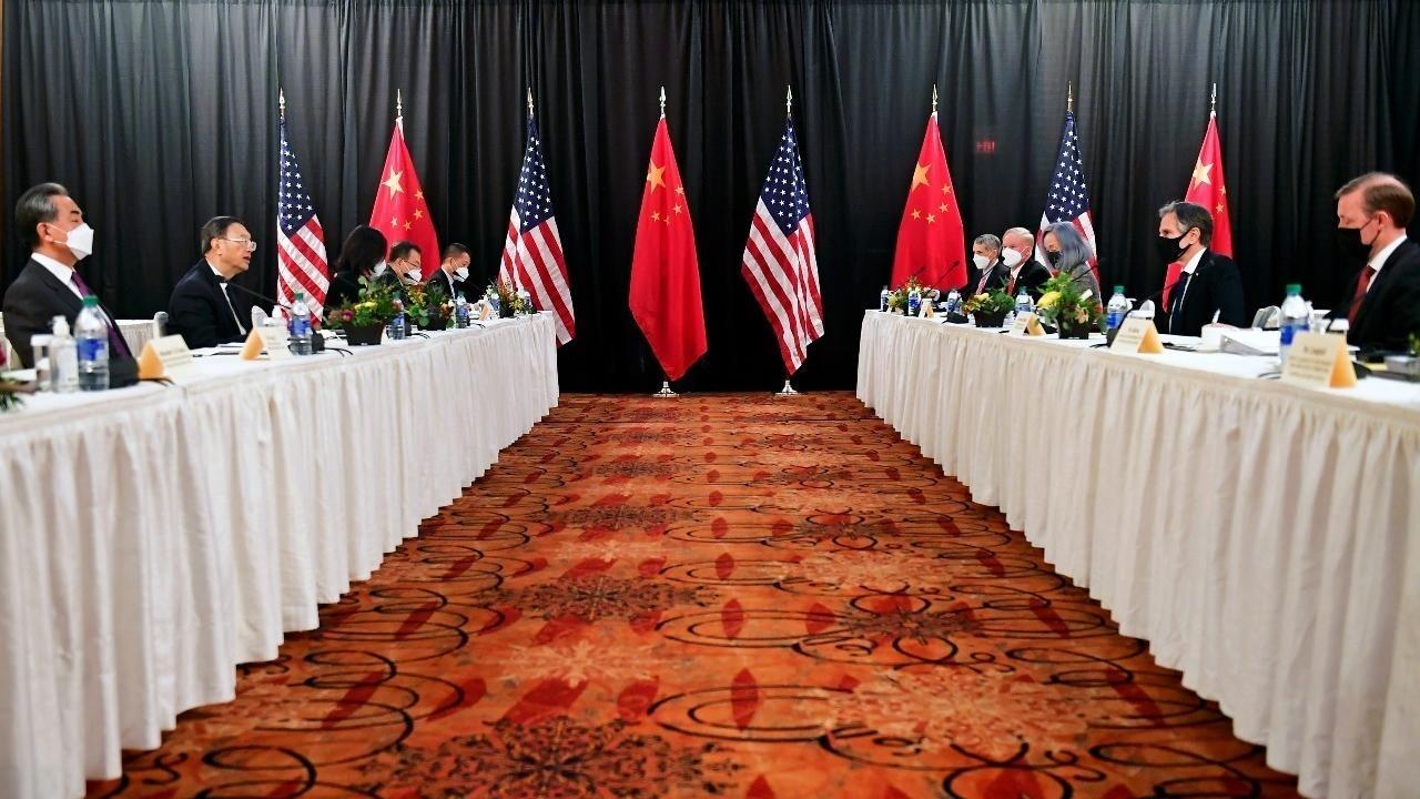 Estados Unidos y China realizaron el primer acercamiento de la era de Joe Biden