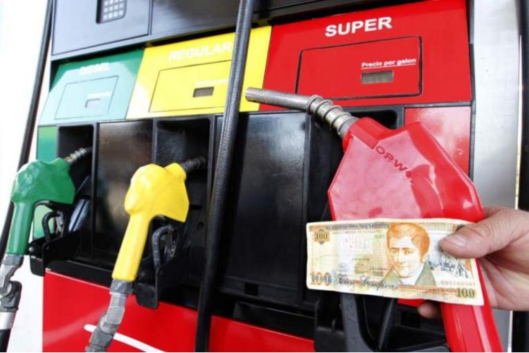 Anuncian nuevo incremento a los precios de los combustibles