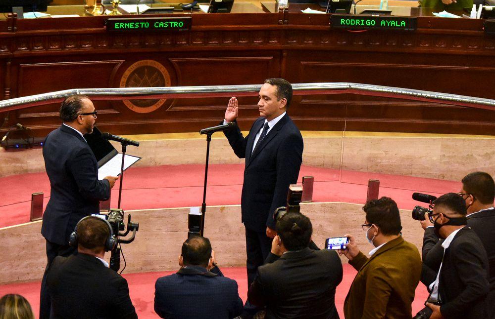 OEA rechaza la destitución de jueces de la Corte Suprema y del fiscal en El Salvador