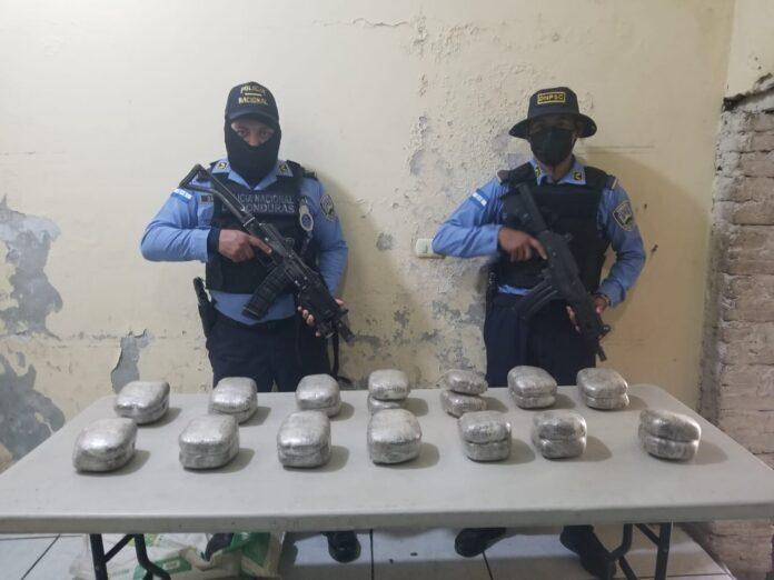 Encuentran 28 paquetes con droga en una motocicleta en zona sur de Honduras