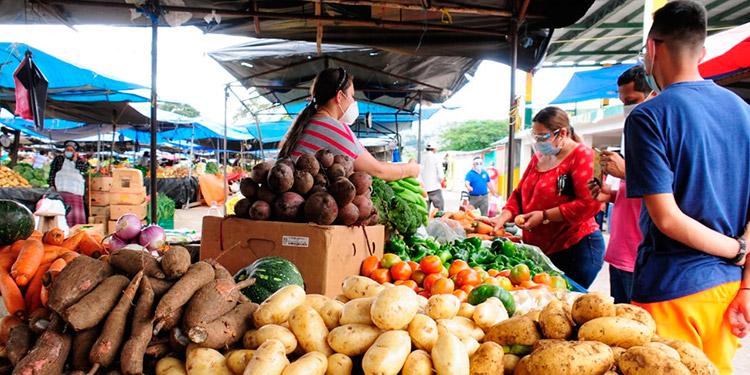 Este mes unos 15 productos alimenticios han subido de precio y 11 han bajado