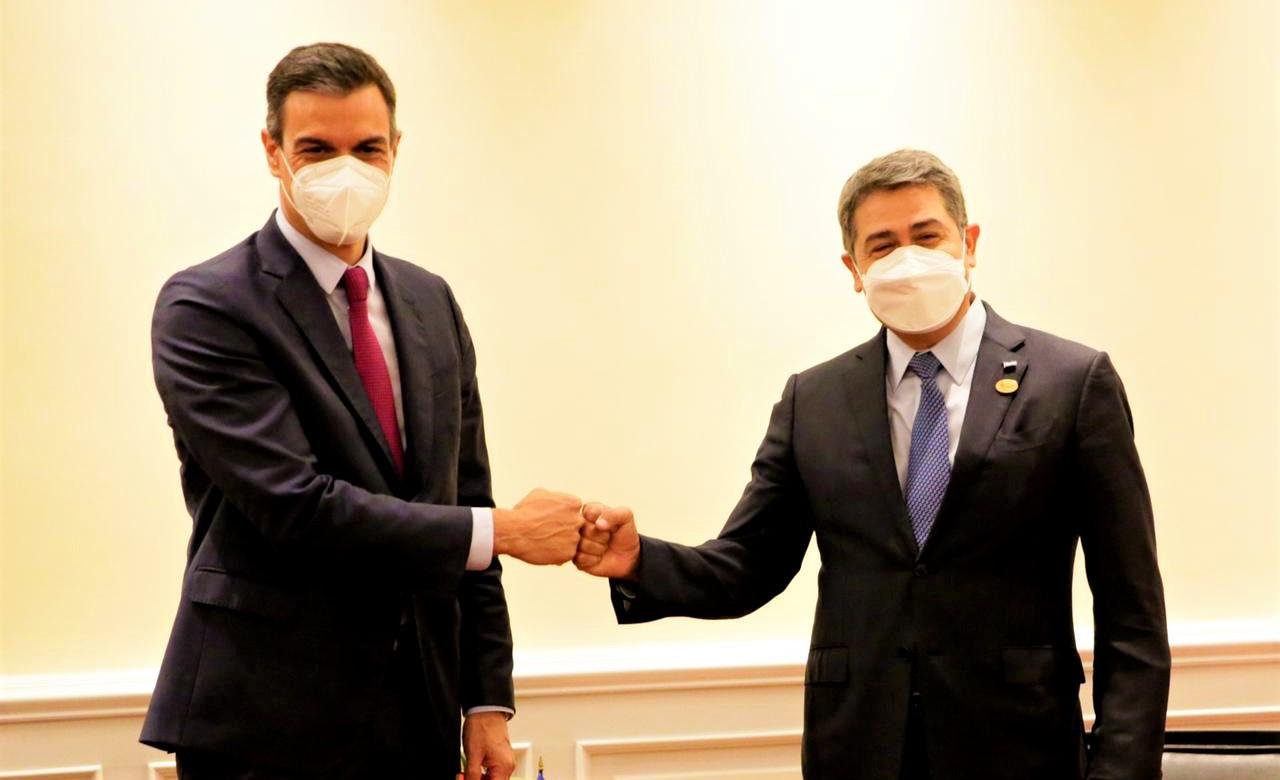 Presidente Hernández y jefe del Gobierno español dialogan sobre migración y conectividad digital para mejorar sistema educativo de Honduras