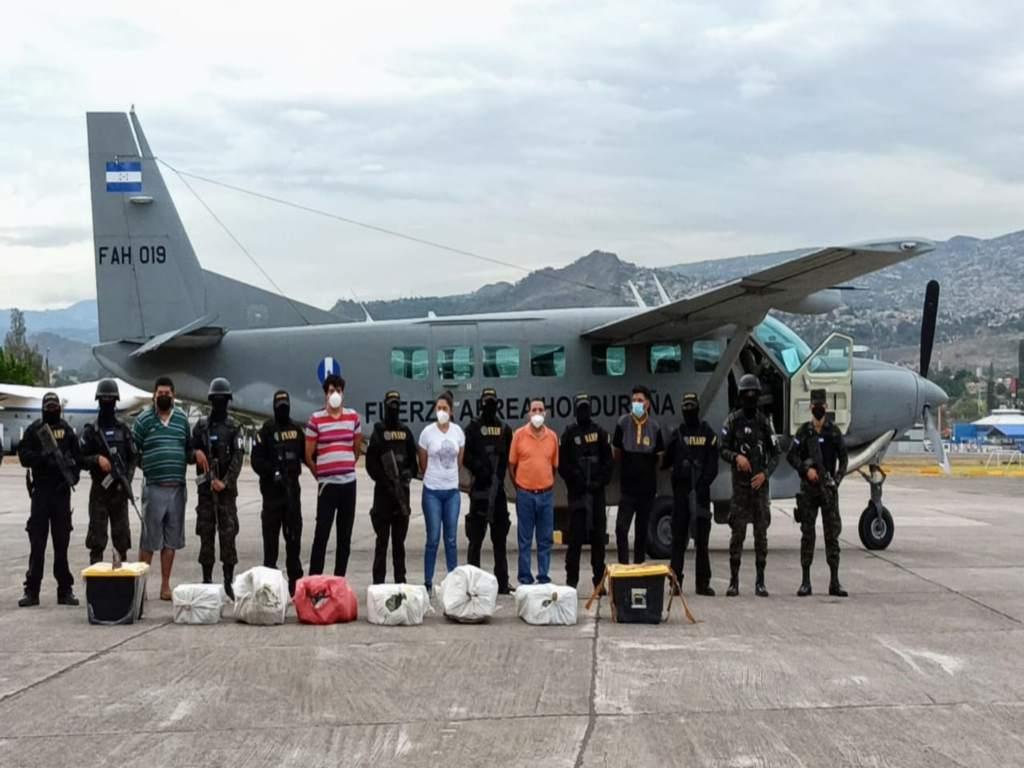 Inicia proceso legal contra banda capturada con cocaína valorada en L 100 millones