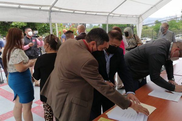 Partidos minoritarios presentan recurso de inconstitucionalidad en contra de la nueva Ley Electoral