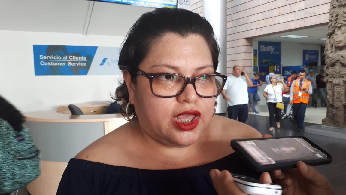 """Montserrat Arita:""""Es un show mediático lo que hacen los alcaldes pidiéndole vacunas a Bukele"""""""