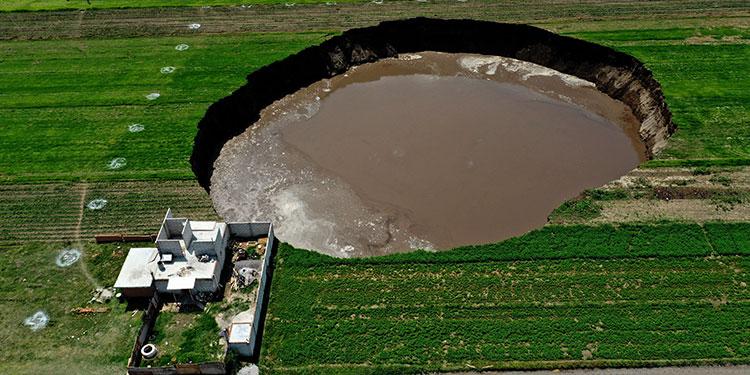 México: Socavón de más 100 metros de diámetro continúa creciendo