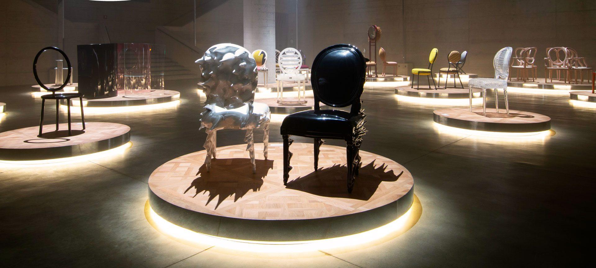 17 artistas reinterpretaron la Silla Medallón de Dior